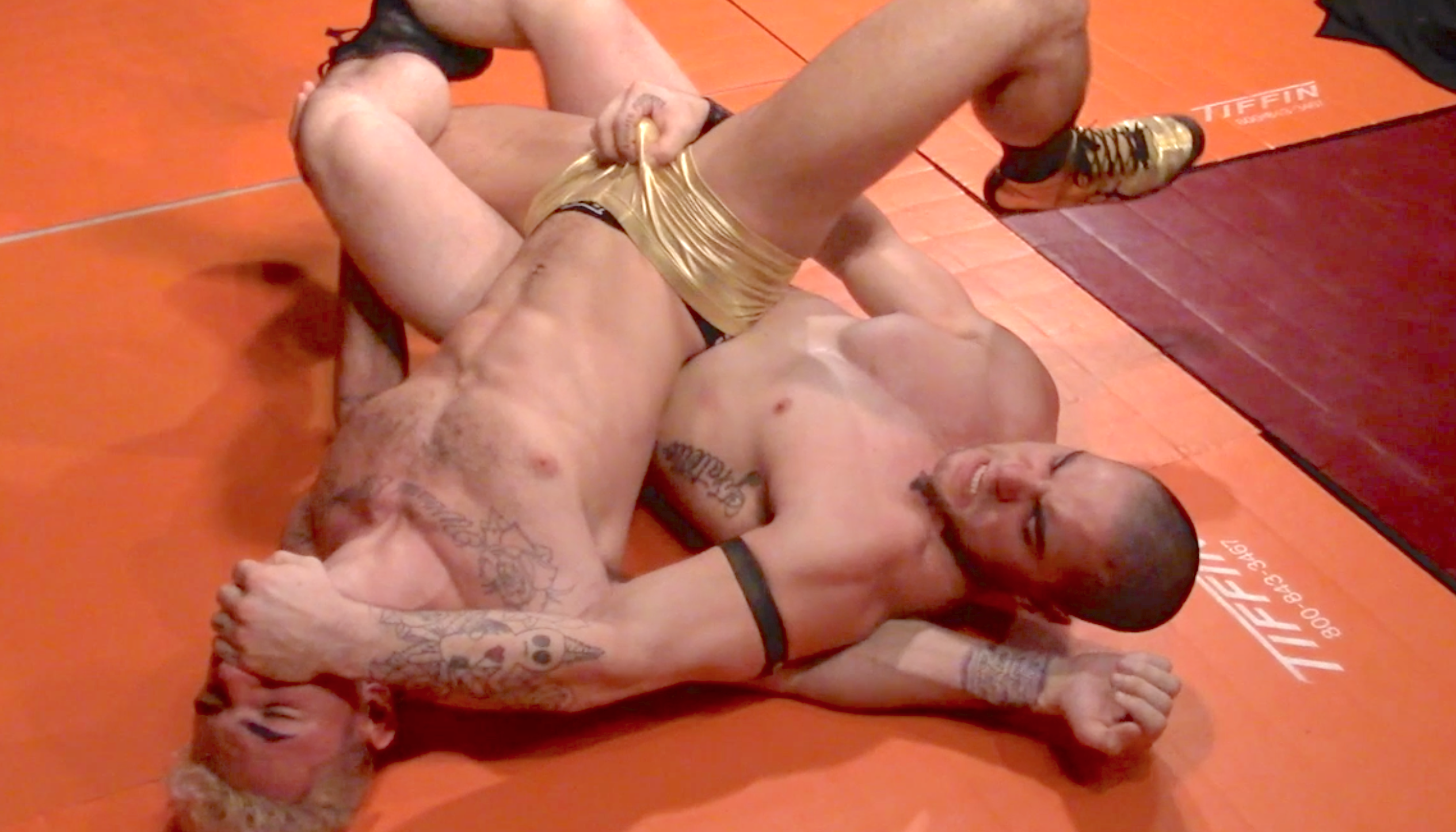 Submission wrestling ball squeeze domination — pic 6